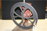 HAND CRANKED CAST IRON FOODMILL / COFFEE GRINDER