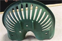 """GREEN IMPLEMENT SEAT, 17"""""""