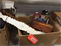 Small hinged box, damaged decorator fork &