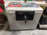 Sentry 1170 safe with key