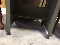 Metal drop leaf table