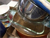 Glass bakeware, mixing bowls & assorted