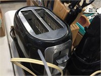 2 slot toaster, can opener, mixer & knives in