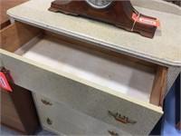 4 drawer dresser 32x18x46