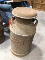Milk can with cover