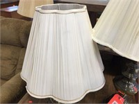 2 lamps with shades