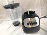 NEW Oster 700 watt Classic Series Blender Black