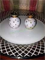 Ciroa Luxe Dinner Plates And Salt Shakers