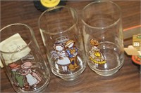 Lot of Vintage Holly Hobby Glasses & Clock
