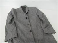 Calvin Klein Men's 37 Short Slim Fit Wool Blend