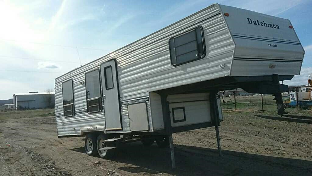 1994 Dutchman 5th wheel RV | Smith Sales Co  Auctioneers