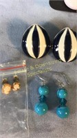 9 Pr Pierced Earrings Agate Lucite Cameo