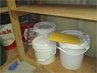 Contents in Pictures: Storage Containers