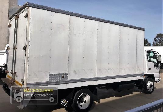 2007 Isuzu NQR 450 Racecourse Motor Company - Trucks for Sale