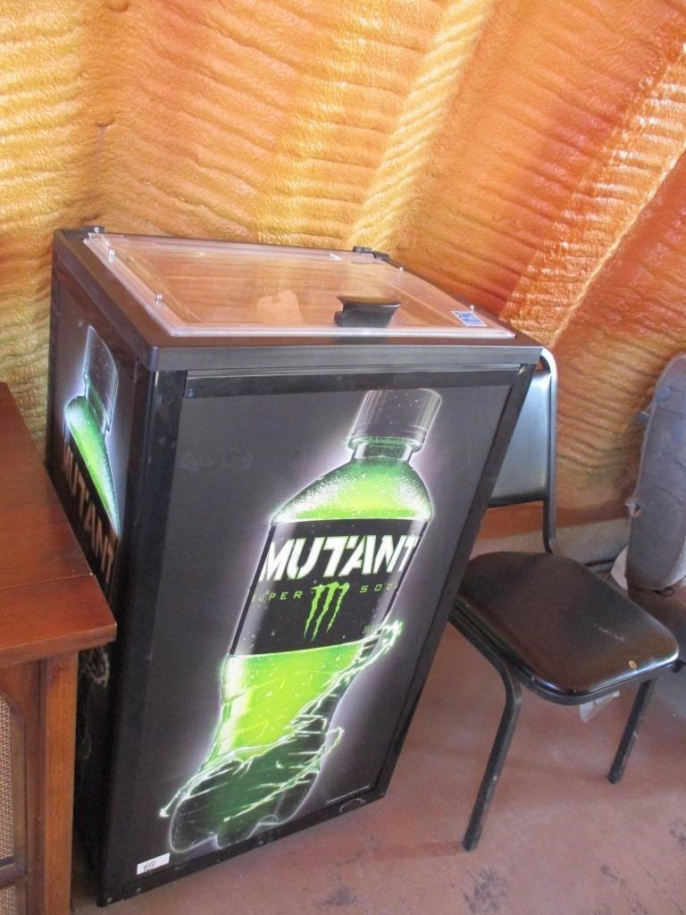 IDW Beverage Cooler | Graber Auctions