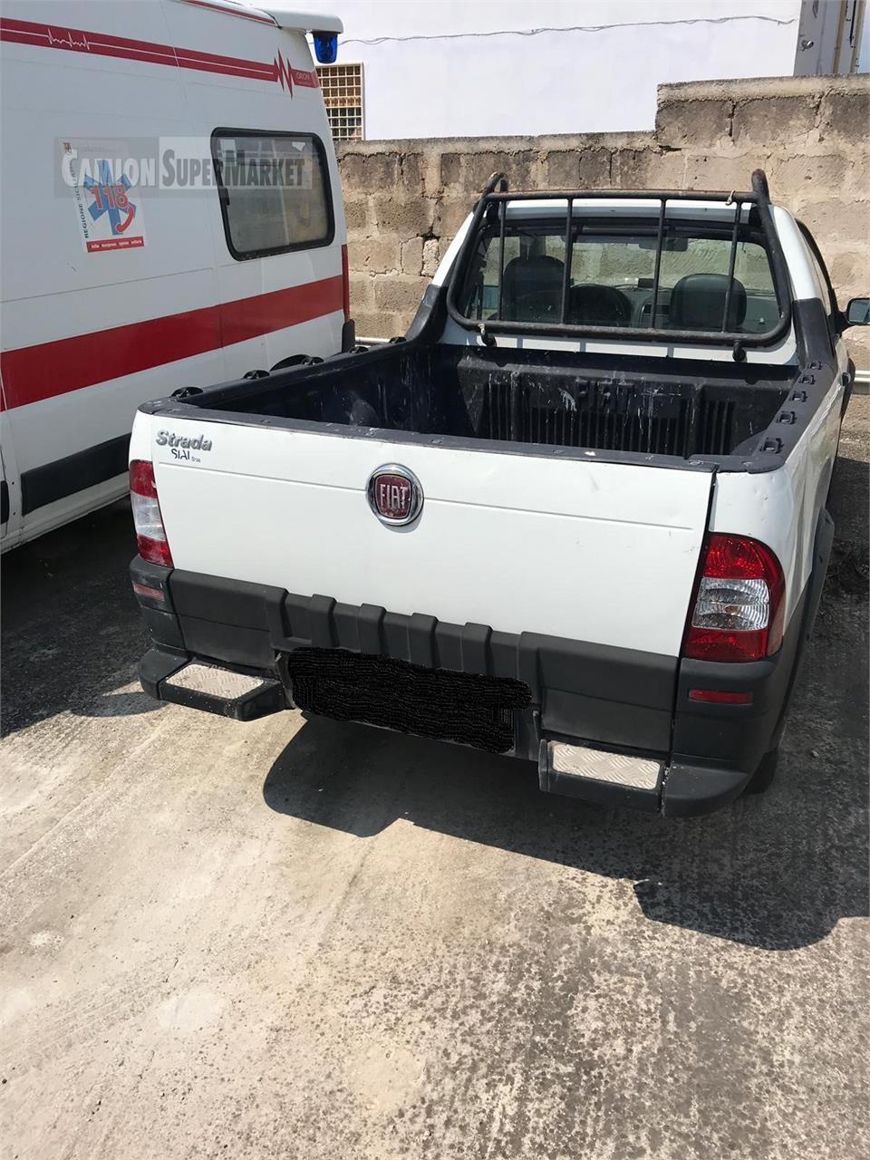 Fiat STRADA Uzywany 2008 Puglia