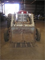 Farmall 450 Gas Tractor w/ IH 2001 Loader | HiBid Auctions