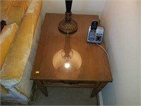 Beautiful Pair of Vintage End Tables