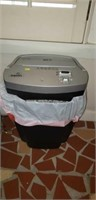 Fellowes paper shredder, seems to be working