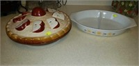 Pyrex divided dish, apple pie dish