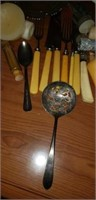 Estate lot of household goods, uncle Henry knife