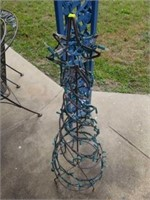Super Cute Metal Christmas Tree Yard Decor