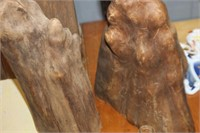 2 Wooden Decor Pieces
