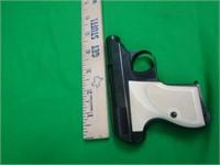 Kassnar Defender 25acp | LL Auctions LLC
