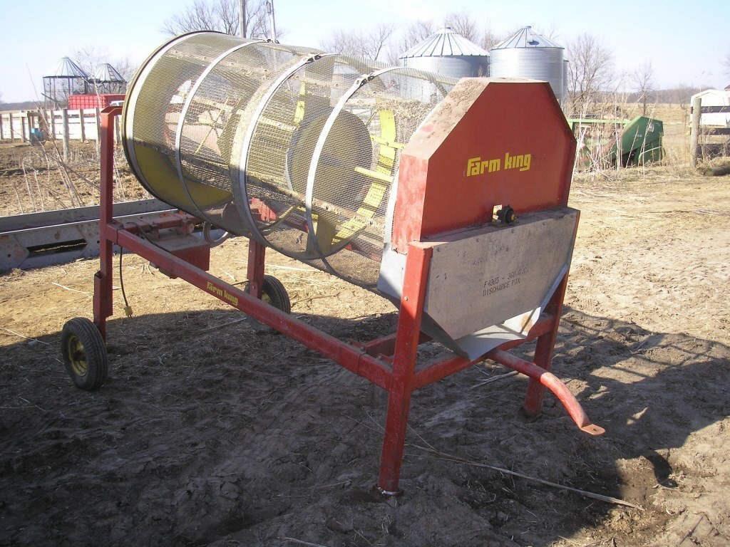 Farm King Grain Cleaner w/ Auger & Screens | HiBid Auctions