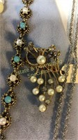 8 Piece Faux Pearl and Other Jewelry Pieces