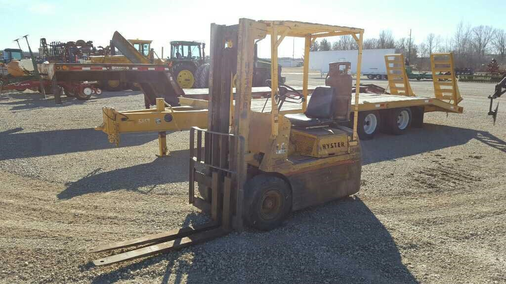 Hyster H30E Forklift   Wisconsin Tractor