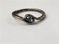 .925 Sterling Silver Ring W/ Blue Stone Size 6