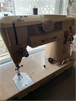 Singer Sewing Machine Model 401A