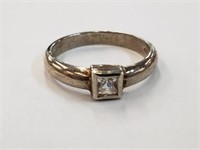 .925 Sterling Silver Ring w/ Stone Size 9