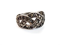 .925 Sterling Silver Ring w/ Stones Size 7