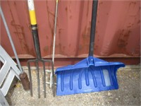 Heavy Duty Plastic Saw Horses, Pitch Fork, Snow