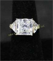 GOLD TONE CLEAR STONE STATEMENT RING SZ. 6.5