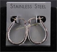 NEW..STAINLESS STEEL  CLEAR STONE HOOP EARRINGS