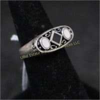 MOTHER OF PEARL/ONYX STERLING RING SZ.7.5