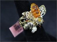 NEW..HONEY BEE FASHION RING SZ.5.5