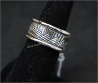 STERLING SILVER BAND RING SZ.7.5