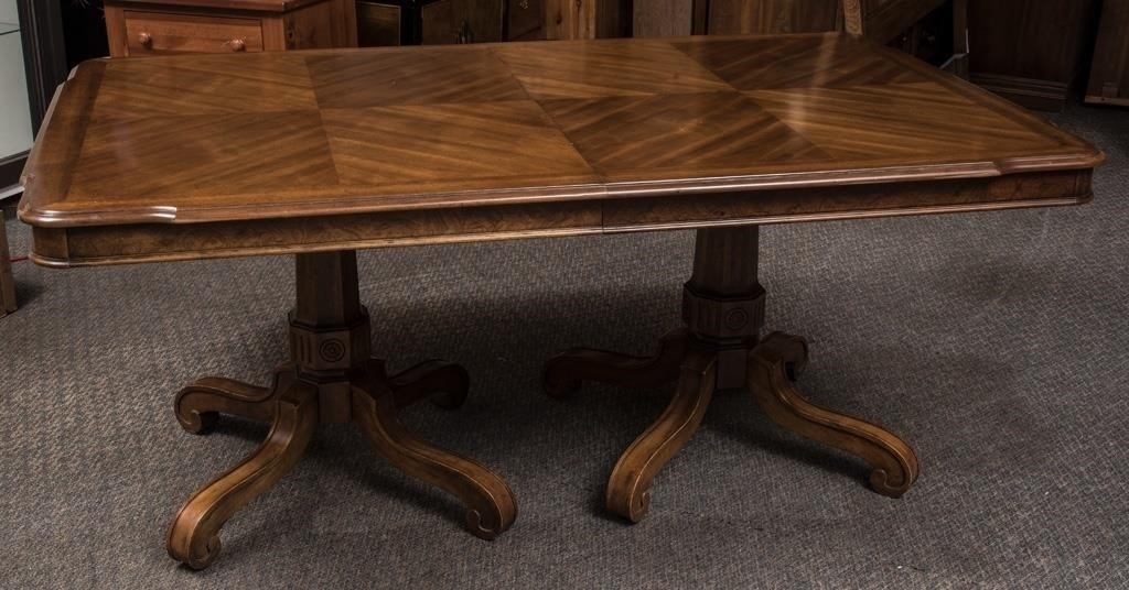 Vintage Drexel Dining Room Table The K And B Auction Company