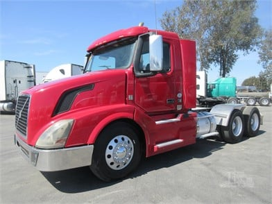 Diamond Truck Sales >> Volvo Vnl64t300 Conventional Day Cab Trucks For Sale By