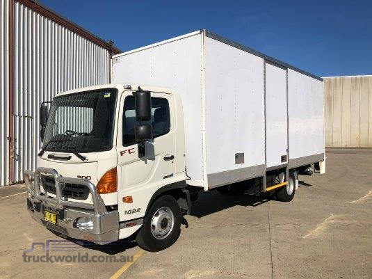 2013 Hino FC1022 Trucks for Sale