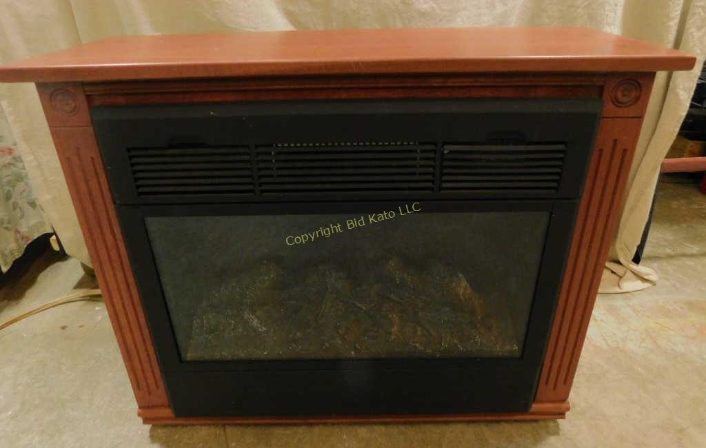 Electric Fireplace W Amish Made Mantle Bid Kato