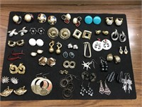 5.11.19 ANTIQUES AND COLLECTIBLES