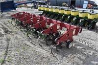 Cultivator, CIH 183 Corn; 6R30, 3 pt,