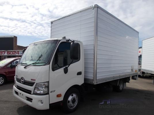 2013 Hino 300 Series 617 Medium Trucks for Sale