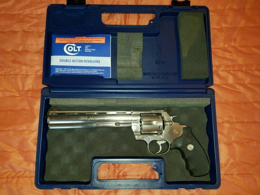 Colt Anaconda 44 mag 8