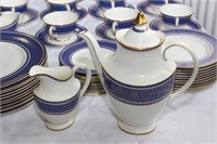 Royal Doulton Large Dinnerware Set